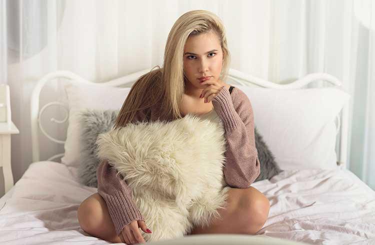 sesja-zdjęcia-fotografia-kobieca-sensualna-buduarowa-Bielsko-Biała-032